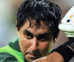 Irfan, Jamshed out of Pakistan Test squad